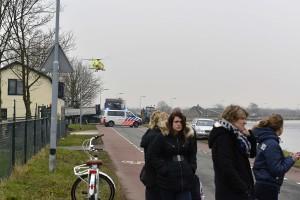 Beinsdorp: Passanten zien persoon in Ringvaart drijven